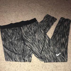 Nike pro hyper warm leggings